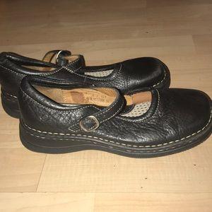 Born black shoes  size 2